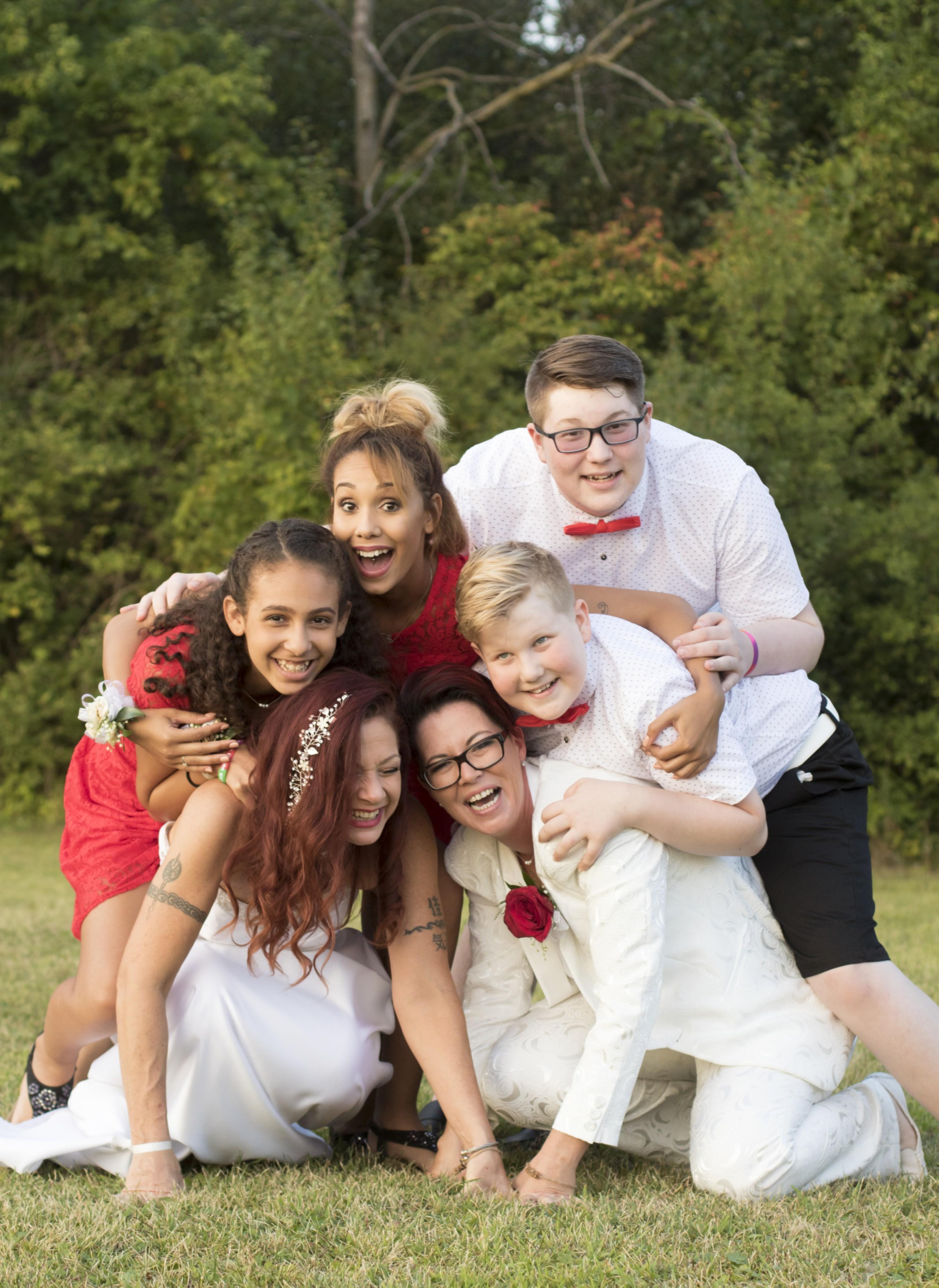 Natasha, Melissa, with Jasmin, Dakota, Thea, Darrin